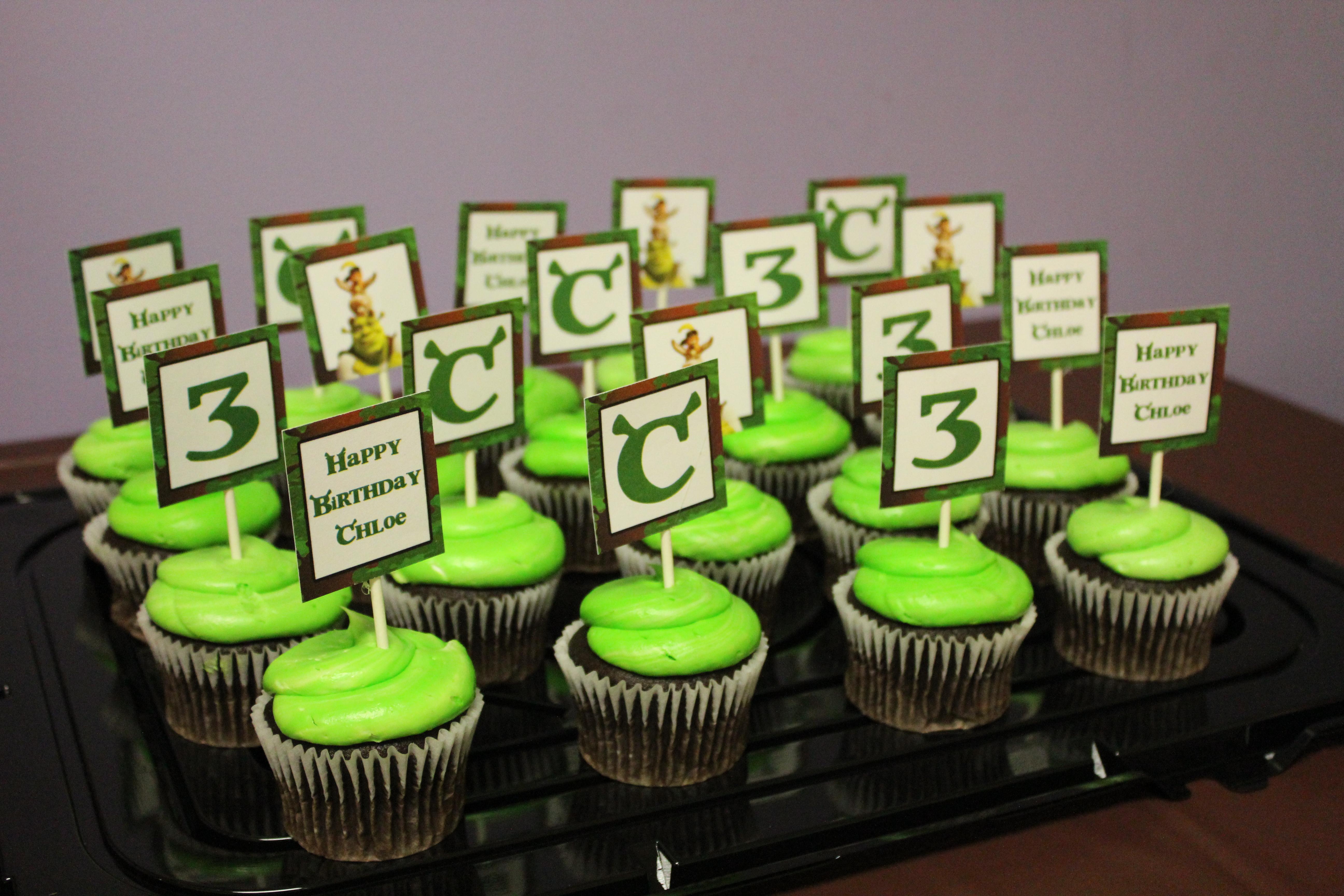 Shrek Birthday Cake And Cupcakes